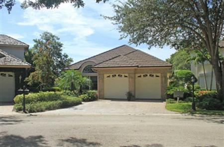 Oak Lake Sanctuary Villas at Pelican Bay