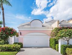 Pelican Bay Villas  804 Rue Deville 37